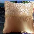 半身花纹丝绸抱枕 靠枕定制